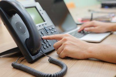 VoIP – was ist VoIP und wer profitiert davon einen VoIP-Telefonservice zu benutzen?