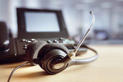 Wie man ein kleines Call-Center mit einer VoIP-Telefonanlage einrichtet