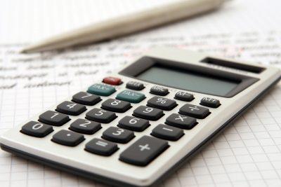 Die wichtigsten Features einer Telefonanlage für Finanzdienstleister, Versicherungsmakler und Vermögensberater