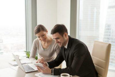 Wie VoIP-Telefonsysteme für kleine Unternehmen die Konnektivität verbessern