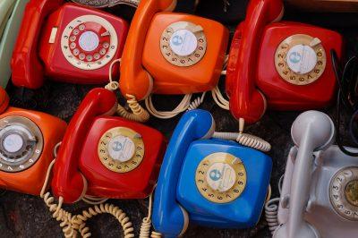 VoIP-Telefonsysteme für kleine Unternehmen – Wie funktioniert das Zusammenspiel mit dem Festnetz?